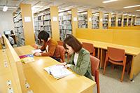 教育・学術情報センター図書室