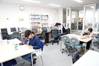 学生自習室